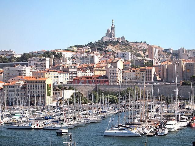 Le Vieux Port sous le regard de Notre-Dame-de-la-Garde